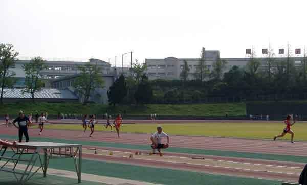 下関市陸上競技場