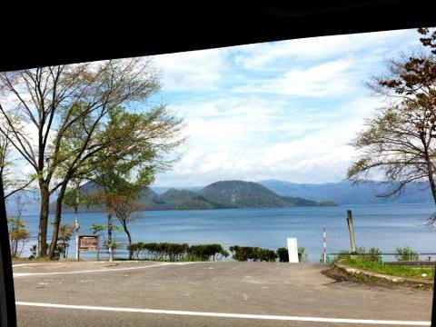 静かで美しい湖