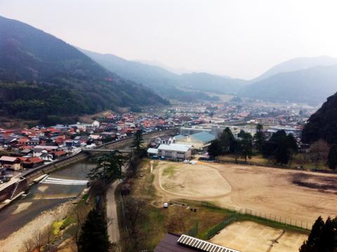 太皷谷稲成神社から見下ろす津和野の街並み