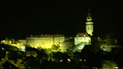 夜のチェスキー・クルムロフ城