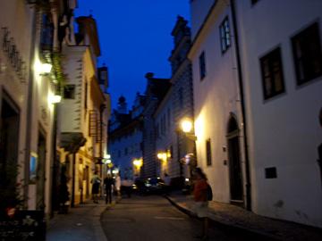 夜のホルニー通り