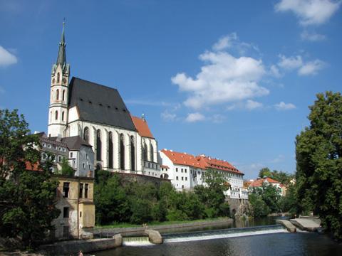 河岸から見る聖ヴィート教会