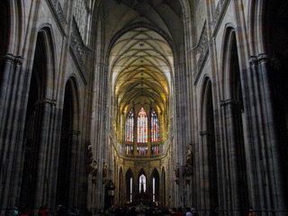 聖ヴィート大聖堂中央身廊