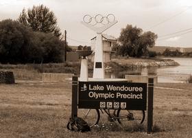ウェンドリー湖五輪記念碑