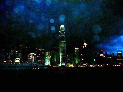 ヴィクトリア・ハーバーから見る香港島