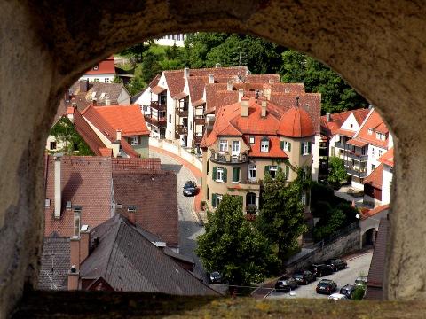 バイエルン門から見下ろすランツベルクの町並み