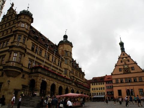 マルクト広場 市庁舎と市参事宴会館