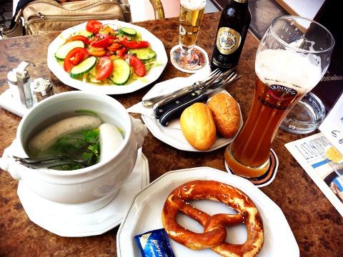 ミュンヘン名物の白ソーセージ Weißwurst